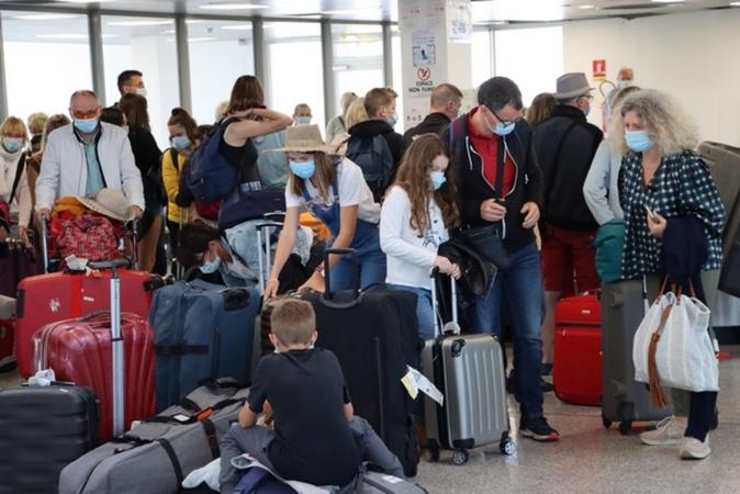 Premier rush à l'aéroport de Calvi Santa Catalina