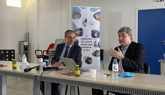 Jean-Guy Talamoni, président de l'Assemblée de Corse et le Dr Lionel Lamhaut, représentant de l'application.