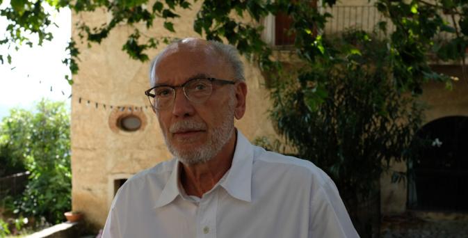 Jean-Louis Devèze dans son village de Lama