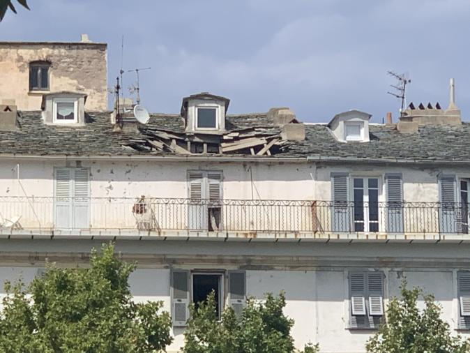 Bastia : le toit d'un immeuble du centre-ville s'effondre