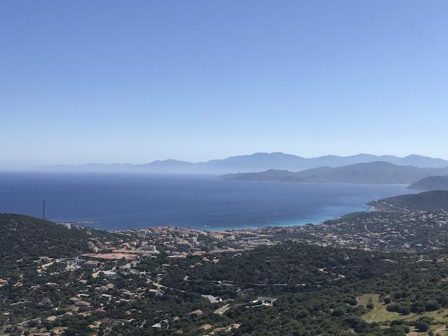 Le Cap Corse dans la brume, photo Renaud Kiselman