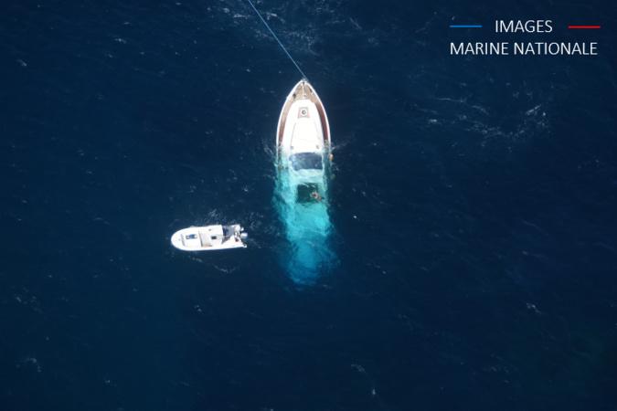 Un yacht italien heurte un rocher au large de l'île de Cavallo
