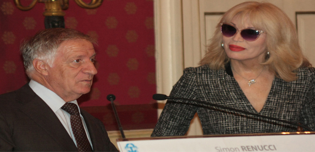 Amanda Lear, Lady Oscar à Ajaccio