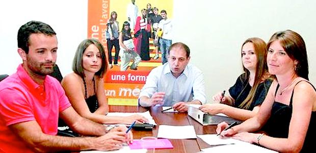 Jean-Baptiste Calendini (au centre), directeur de cabinet de la présidence de l'université Pasquale Paoli, lors de la préparation du 30e anniversaire de l'établissement.