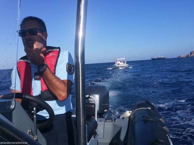 Embarcation en détresse au large de Cavallo