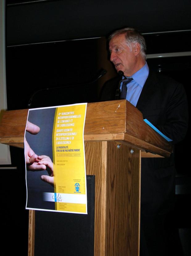 Le maire d'Ajaccio Simon Renucci a ouvert ces Rencontres après une minute de silence en hommage à Jacques Nacer, abattu hier soir à Ajaccio. (Photo: Yannis Christophe Garcia)