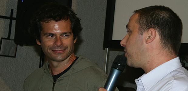 Frédéric Farucci (à gauche) interviewé par Olivier Balbinot lors du festival de Murato