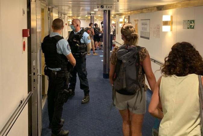 Porto-Vecchio : contrôles de gendarmerie à l'arrivée et au départ du Mega Express Four