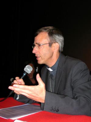 Des questions de toutes nature auxquelles l'Evêque d'Ajaccio a répondu clairement, ont été posées par le public venu nombreux. (Photo: Yannis Christophe Garcia)