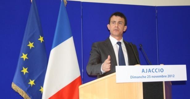 Le ministre de l'intérieur Manuel Valls a tenu une conférence de presse ce matin la préfecture d'Ajaccio. Peu ou pas d'éléments concrets ont été divulgués. (Photo: Marilyne Santi)