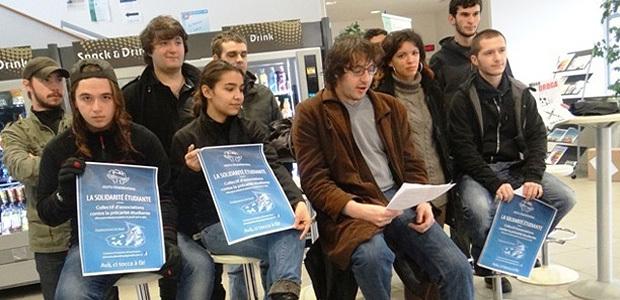 Composé de syndicats et d'associations étudiantes, l'Aiutu Studientinu continue sa lutte contre vents et marées, afin d'impulser un mouvement contre la précarité étudiante (Photo Marina Massiani)