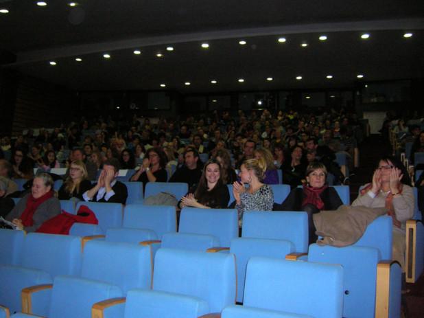 La grande salle du Palais des congrès d'Ajaccio était quasiment comble samedi soir et le public s'est déplacé en nombre pour assister à la projection du film d'ouverture du festival. (Photo Yannis-Christophe Garcia)
