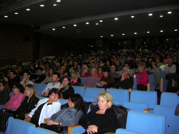 Le public est venu nombreux pour assister à la projection du film. A la fin de celui-ci, les plus inspirés ont eu la chance de pouvoir débattre avec le réalisateur David Mackenzie. (Photo Yannis-Christophe Garcia)