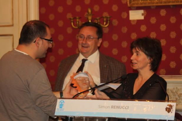 De nombreuses personnalités étaient présentes lors de la cérémonie, à l'image ici du recteur de l'académie de Corse Michel Barat et de notre consoeur Maria Lanfranchi de Radio Alta Frequenza. (Photo Marilyne Santi)