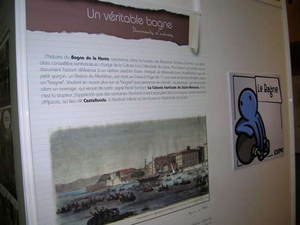"""La BD nustrale est riche et diversifiée, à l'image du """"Bagne de la honte""""  de Frédéric Bertonchini et Eric Ruckstuhl. (Photo: Yannis-Christophe Garcia)"""