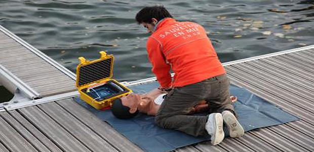 Devenez nageur-sauveteur avec la SNSM