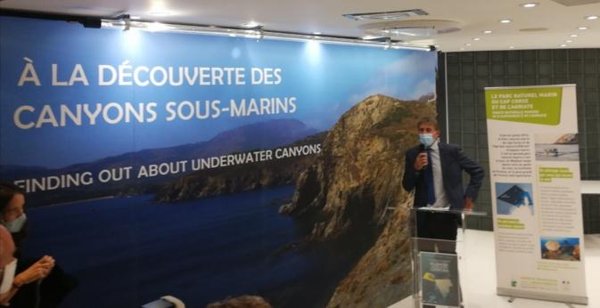 Eric Hansen Directeur interrégional PACA-Corse de l'OFB lors du discours inaugural de l'exposition.