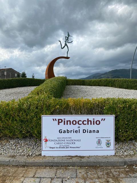 Un Pinocchio monumental de Gabriel Diana à Collodi en Italie