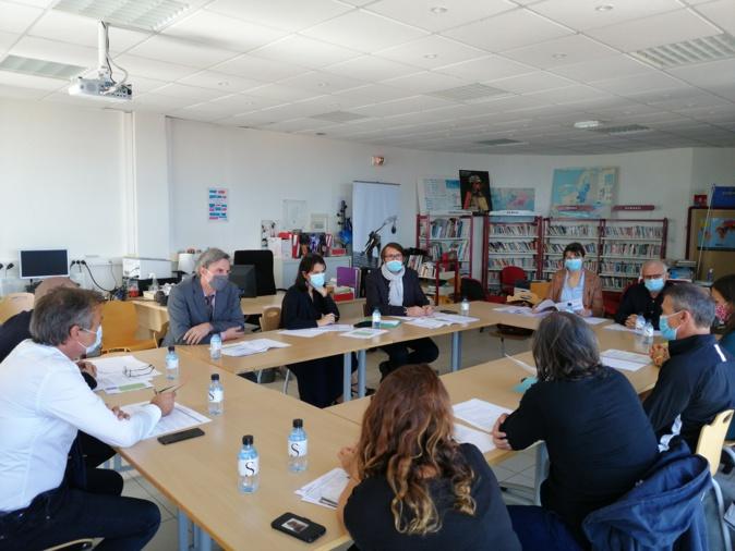 Une réunion entre la Rectrice, les équipes de l'Inspection académique et du collège St Joseph pour faire le point sur l'encadrement des élèves