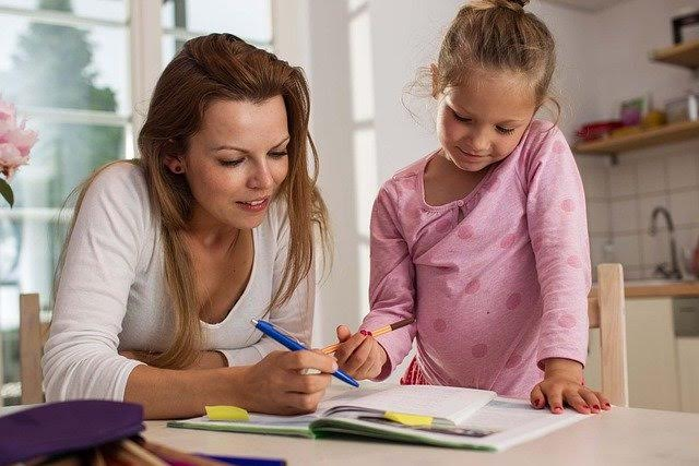 Etudier à son rythme, c'est le credo des parents qui instruisent leur enfants à la maison