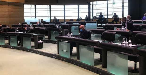 Une session de la Chambre des territoires avec un présentiel au strict minimum pour raisons de COVID.