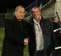 Albert Emon, ici en présentation avec le Président Orsoni, peut-il attirer des joueurs au mercato? (Photo Corse-Matin)