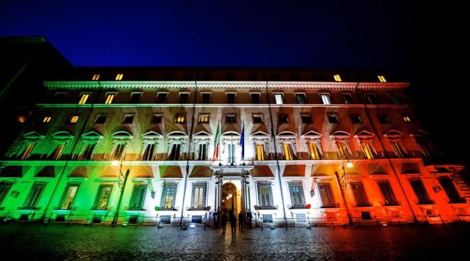 Covid-19 : l'Italie renforce ses restrictions pour éviter un reconfinement
