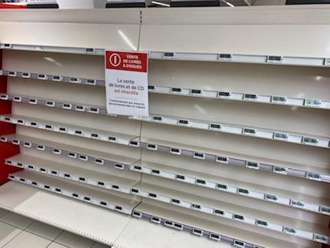 Les rayons de CD vides dans les supermarchés bastiais
