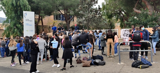 Covid-19 : le lycée de Balagne bloqué pour dénoncer le protocole sanitaire insuffisant