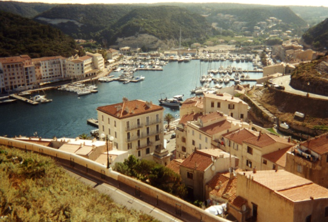 Le port de Bonifacio pourra continuer d'accueillir provisoirement des passagers venant de Sardaigne