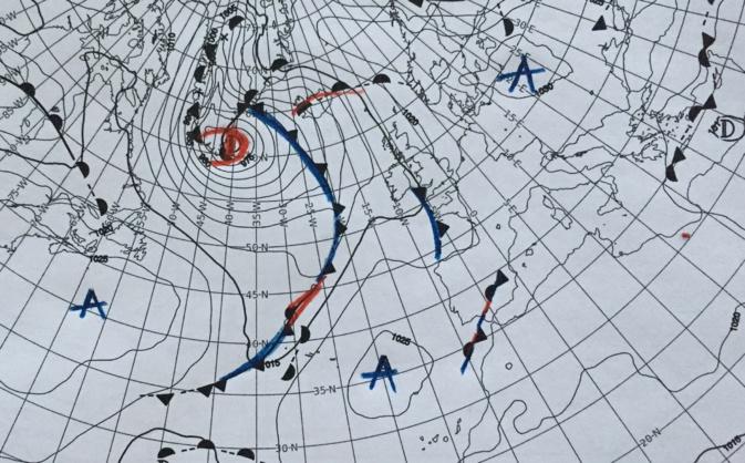 Un anticyclone va se positionner sur l'Europe de l'Est, protégeant nos régions des perturbations mais pas de la formation de nuages bas...