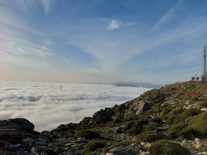 Dans les nuagesau Pignu (Jean-Marc Valery)