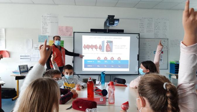 Prunelli di Fium'Orbu : animation pédagogique sur le don du sang pour les élèves du cours moyen