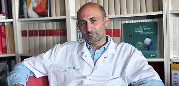 Le professeur Laurent Lantieri à l'Institut universitaire de santé