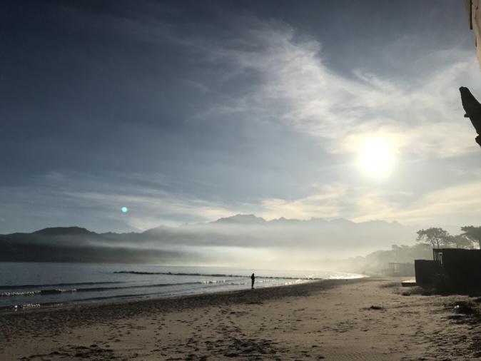 Nuage de brume sur Calvi (Bernard Lorriaux)