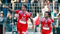 L'an dernier, comme ici face à Paris, Medjani s'était montré comme un élément indispensable. C'est un coup pour le club et ses supporters (Photo Foot-Africain.com)
