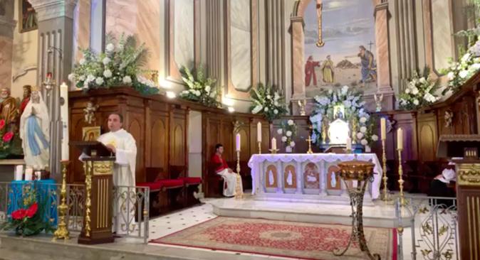 Messe de l'Abbé Frédéric Constant curé de l'unité paroissiale de Porto-Vecchio.