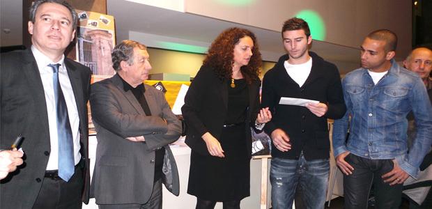 Mathieu Sans et Magno Novaes du SCB ont récompensé les lauréats du concours de street art en présence de Jean Zuccarelli et Paul Trojani