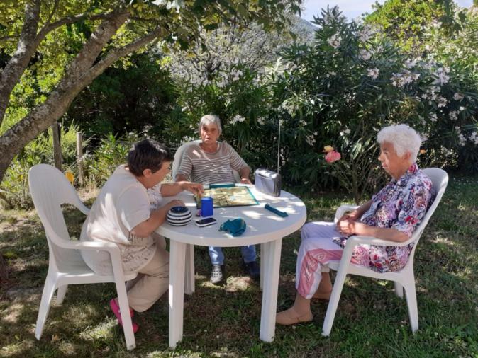 Des résidents en famille d'accueil chez Charlette Ottobrini, accueillante familiale à Vico. Photo : Casa di u Core