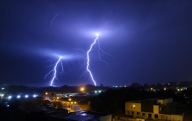 """""""Orages"""" et """"pluies-inondations"""" : vigilance orange prolongée en Corse-du-Sud"""