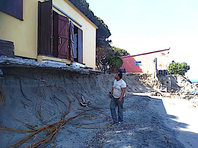 Erosion du littoral : plusieurs maisons de Lucciana menacées par la mer