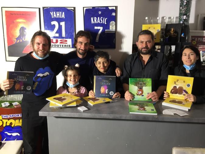 Paul Turchi-Duriani (au centre) a présenté le tome 3 de Pirru è Ricuccata en compagnie de Doria Ousset, Anna Rocchi, Anghjulu Mari, Gilles Secchi...