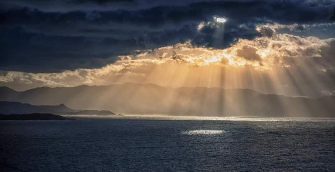 Pleine lumière dans le golfe de Sagone (Jean-Claude Camu)