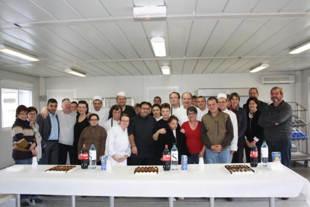 Lucie Pinna en pull rouge a reçu les félicitations de toute l'assemblée/ Photo Marilyne SANTI