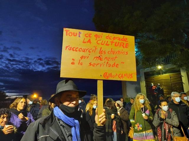 """""""Culture en danger"""" : une manifestation de soutien aux professionnels du spectacle à l'Ile-Rousse"""