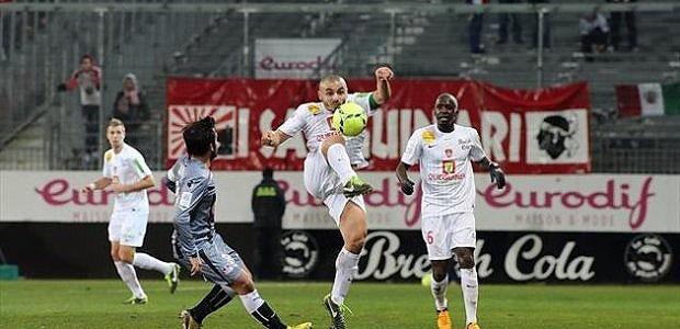 Cavalli et les Ajacciens ont souffert, mais on tout de même ramené un point de Brest, grâce à Oliech, le tout sur une pelouse très abîmée (Yahoo Sports)
