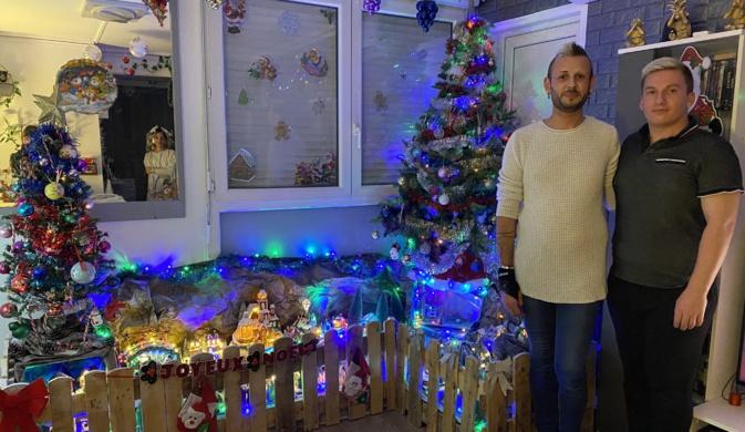 Pierre-Dominique et Marc comptent agrandir leur village de Noël dans les années à venir