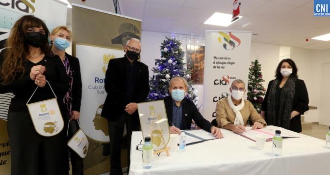 Signature de la convention entre le Rotary Club Ajaccio Sud Corse et le CIAS de la CAPA. (Photos Michel Luccioni)
