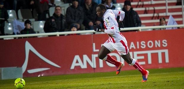 Cela fait 2 buts en quatre rencontres pour Dennis Oliech. Le Kenyan aura encore l'occasion de faire parler sa vitesse contre le le LOSC, ce Samedi (Photo Paule Santoni)
