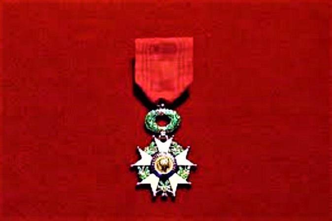 La Légion d'honneur à Joëlle Ferricelli, l'infirmière de l'hôpital de Bastia, victime de la Covid